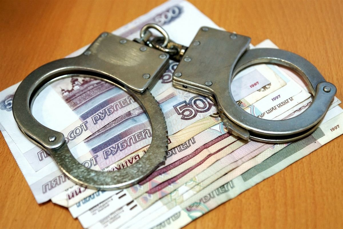 Бухгалтер украла втурфирме миллион рублей