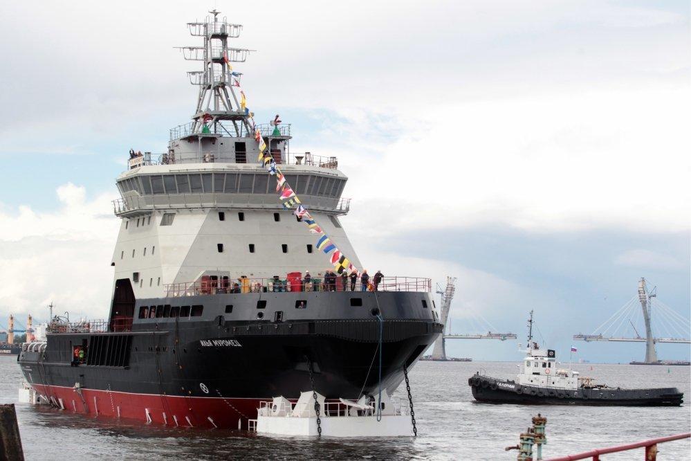 ВБалтийском море проходит ходовые тестирования самый новый боевой ледокол «Илья Муромец»
