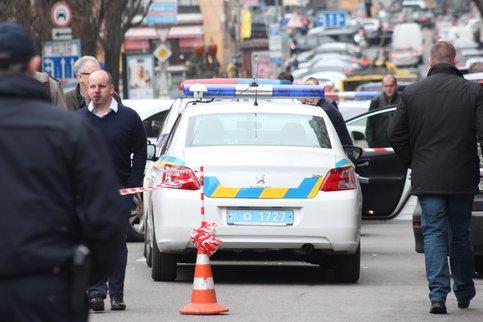 Размещено видео наезда Лексус натолпу людей вХарькове