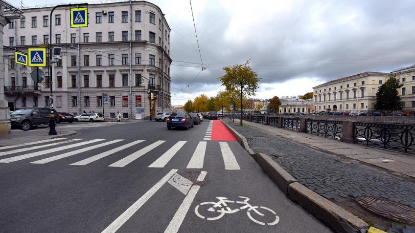 Велодорожка наФонтанке на100% открыта для велосипедистов— Смольный