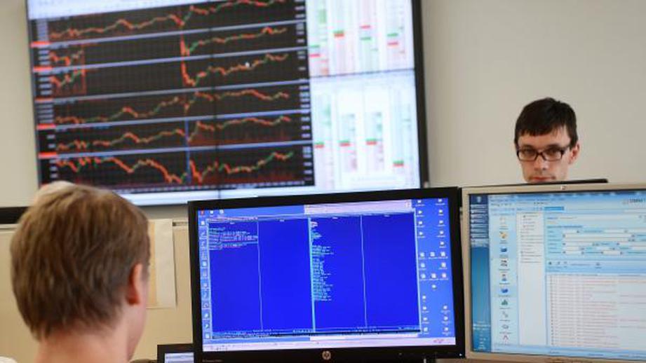 Русский фондовый рынок начал неделю ростом индексов