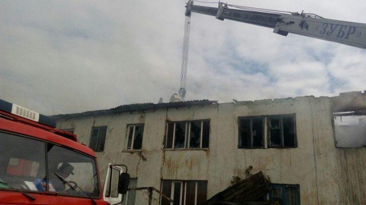 Сверепый пожар вАлматинской области: 32 человека эвакуировано