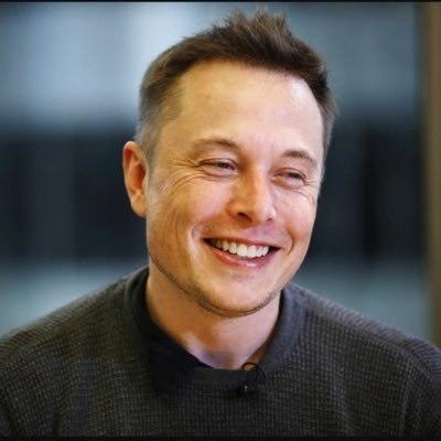 Tesla перенесла презентацию электрогрузовика из-за урагана «Мария»