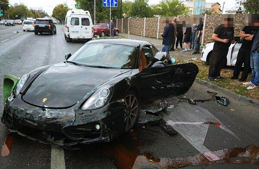 ВКраснодаре шофёр Порше спровоцировал массовое ДТП