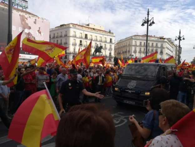 ВМадриде проходит митинг наподдержку единства Испании