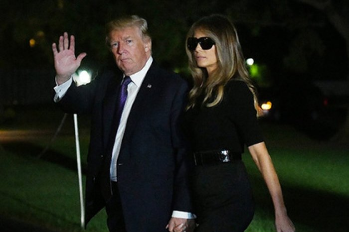 В социальных сетях обсуждают носящую ночью солнцезащитные очки Меланью Трамп