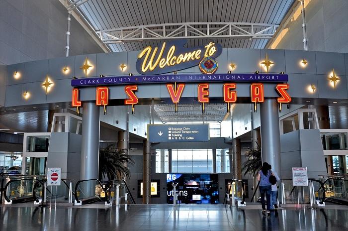 Аэропорт Лас-Вегаса частично восстановил работу