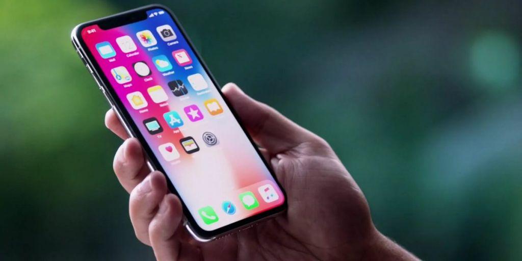 Жители России начали активно перепродавать iPhone X