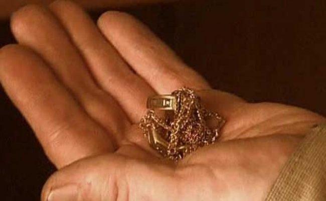 Муж украл у жены золотые украшения