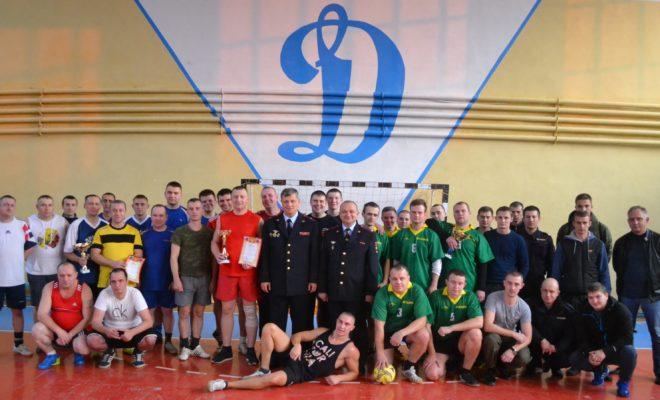 Вневедомственная охрана Кировского района лучше всех играет в мини-футбол