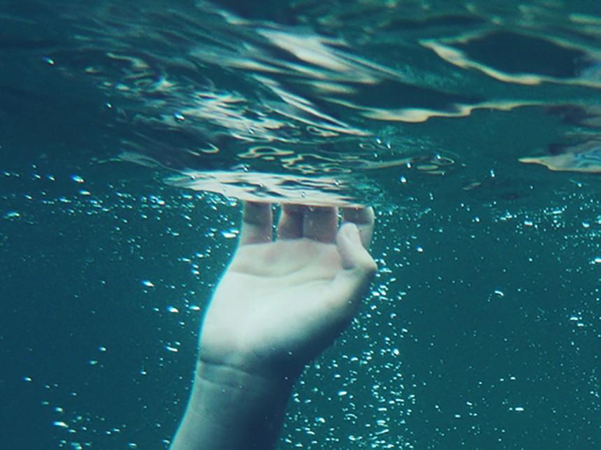 7-летний парень потонул вовремя тренировки поплаванию вНижнем Тагиле
