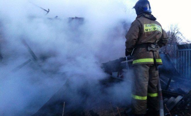 Добровольная пожарная команда помогла справиться с огнем в Тростье