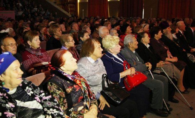 В Калуге дали концерт для 500 пожилых людей