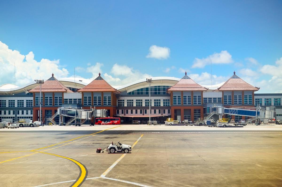 Аэропорт Бали снова работает