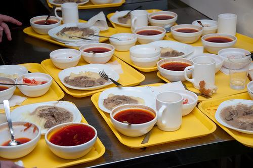 Рост цен осложнил организацию питания в школах Калужской области?