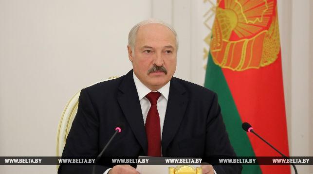 Лукашенко снова потребовал ускорить рост зарплат иэкономики вгосударстве