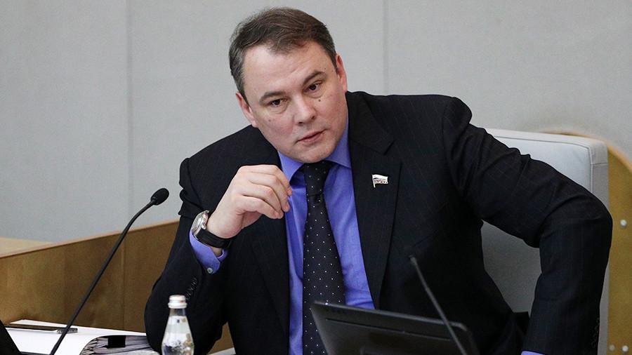 РФ принимает закон оСМИ-иностранных агентах— Зеркальный ответ