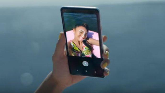 Google поиздевалась над iPhone врекламном ролике