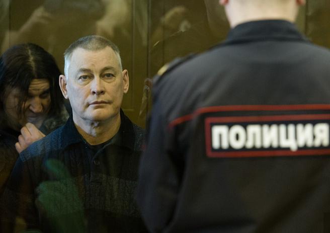 Мособлсуд распустил коллегию присяжных поделу экс-мэра Миасса Виктора Ардабьевского