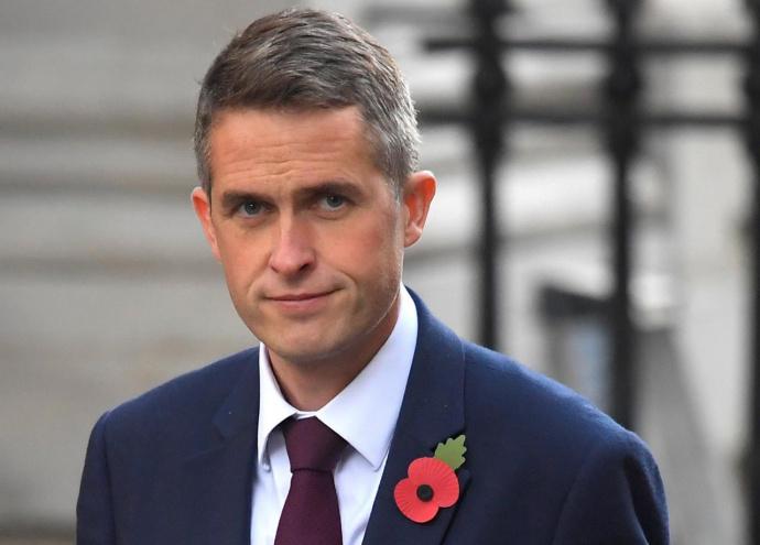 Нового министра обороны утвердила королева Англии