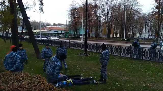 Ножи, кастеты, травматы: вцентре столицы задержаны 50 человек