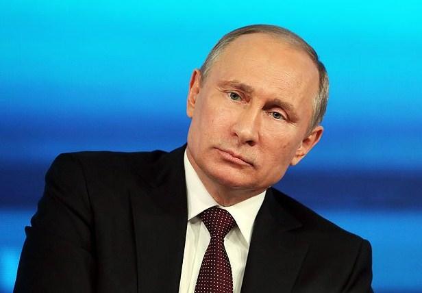 Путин пообещал студентке отыскать спонсора книги обАлександре III
