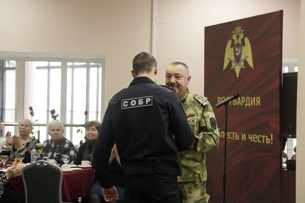 ВАстрахани почтили память погибших полицейских