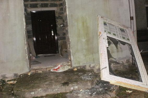 ВРовенской области вооруженные автоматами неизвестные напали нагостиницу