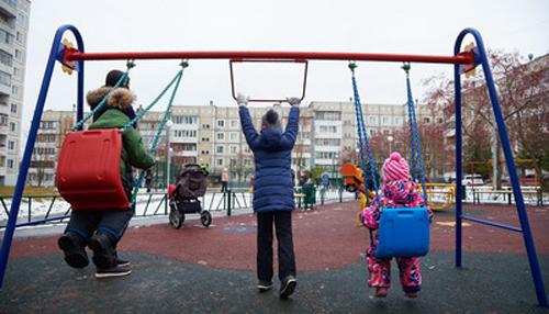 Под контролем жителей в Обнинске появились новые детская и спортивная площадки