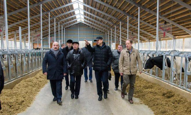 Министр сельского хозяйства РФ Александр Ткачев положительно оценил планы по расширению производства на одном из лучших сельхозпредприятий Калужской области