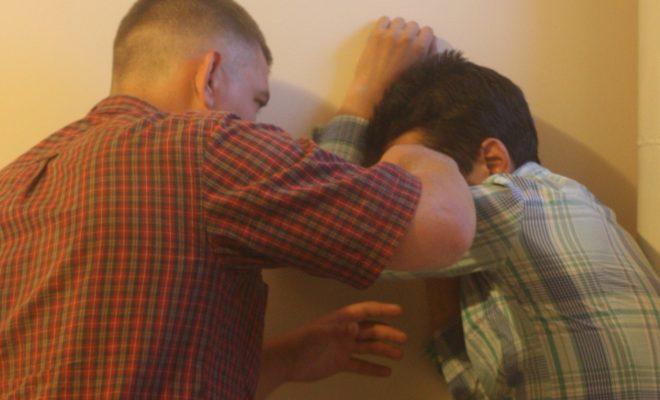 Двое кировчан избили и ограбили своего друга
