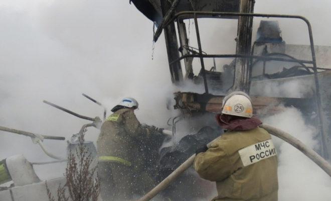 В Перемышльском районе сгорел «Ягуар»