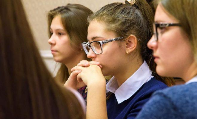 Губернатор области Анатолий Артамонов провел традиционную встречу с молодежью региона