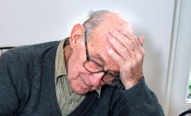 Ненастоящие сотрудники водоканала уговорили калужского пенсионера купить дорогой фильтр