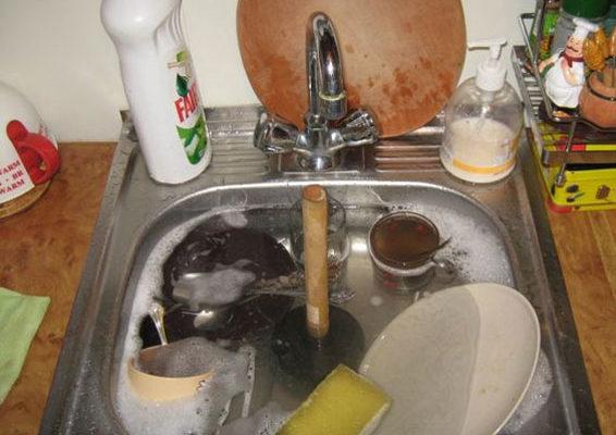 Калужане часто используют канализацию не по назначению