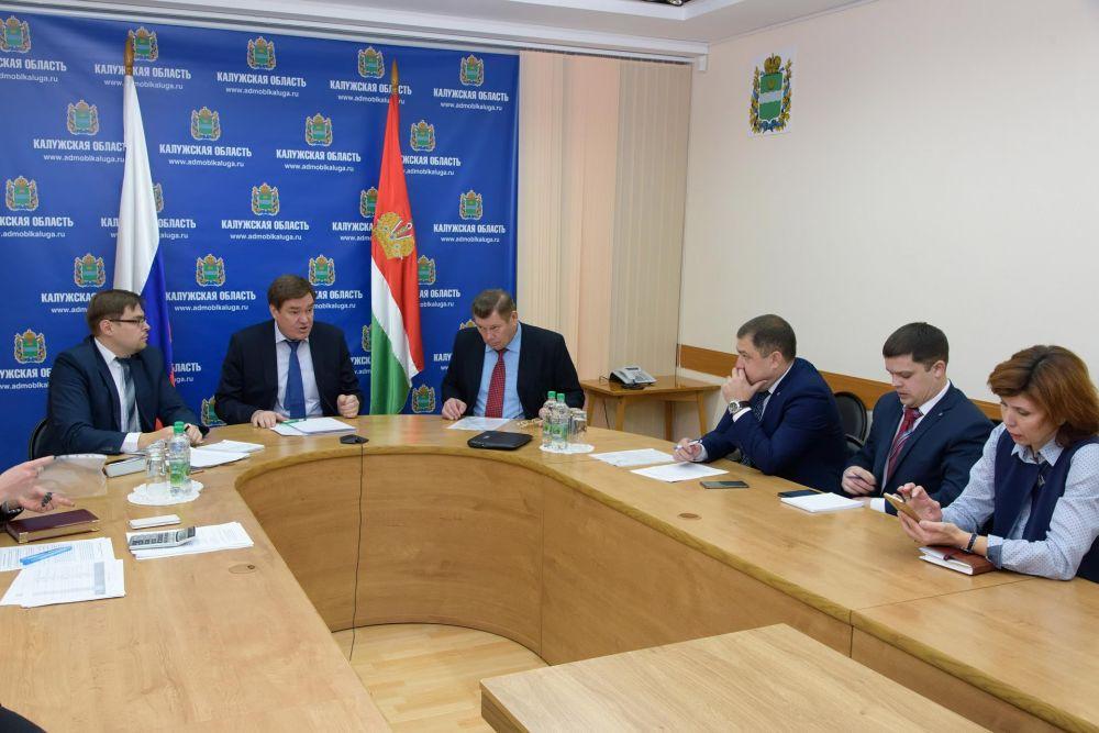 Анатолий Артамонов внес ряд предложений в ходе заседания Трехсторонней комиссии по регулированию социально-трудовых отношений