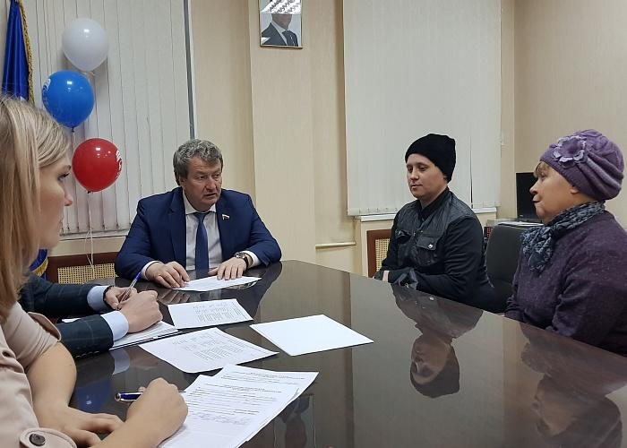 Анатолий Литовченко: «Повсем обращениям ориентированы депутатские запросы»