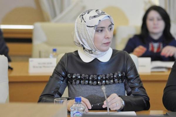 Супруга дагестанского муфтия собралась впрезиденты РФ