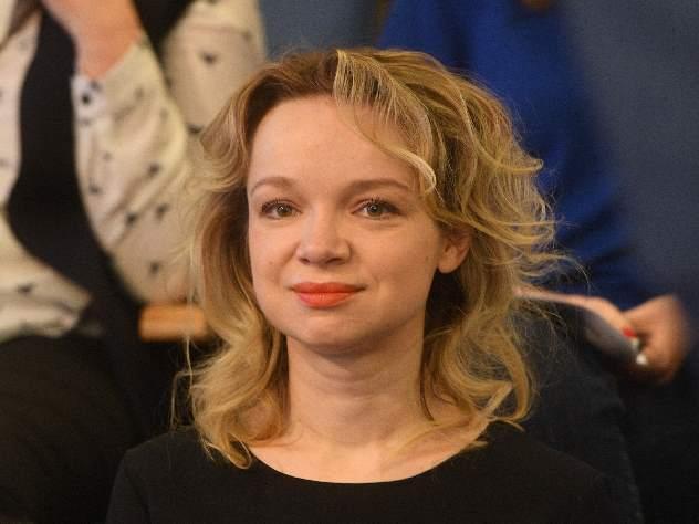 Виталина Цымбалюк-Романовская похвасталась новогодней елкой вроскошных интерьерах