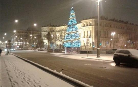 ВСмоленской области вконце рабочей недели обещают сильный снег сдождём