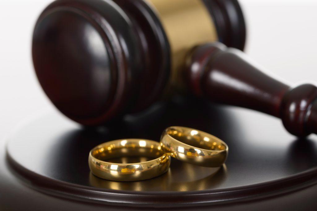 Гражданин области ради квартиры женился на91-летней калининградке