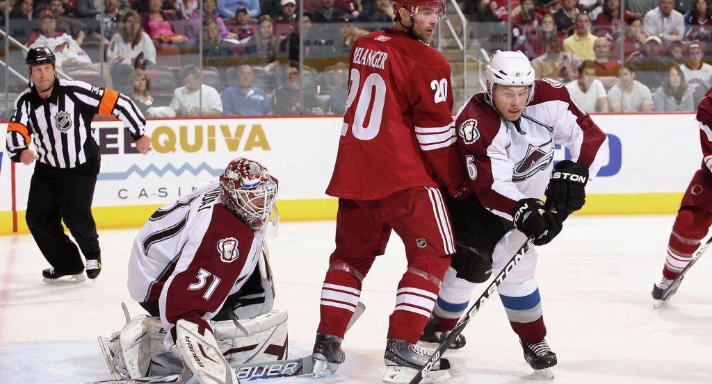 Хоккеист «Колорадо» Джонсон дисквалифицирован надва матча затолчок Наместникова