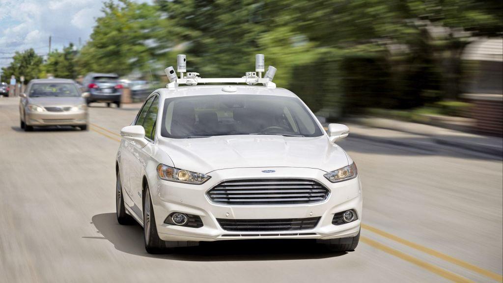Форд проинформировал онамерении выпускать гибридные беспилотные автомобили