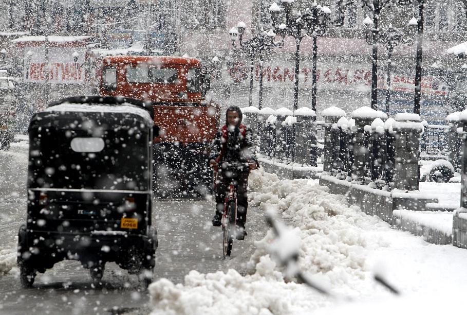НаНижний Новгород обрушатся мокрый снегопад исильный ветер— МЧС