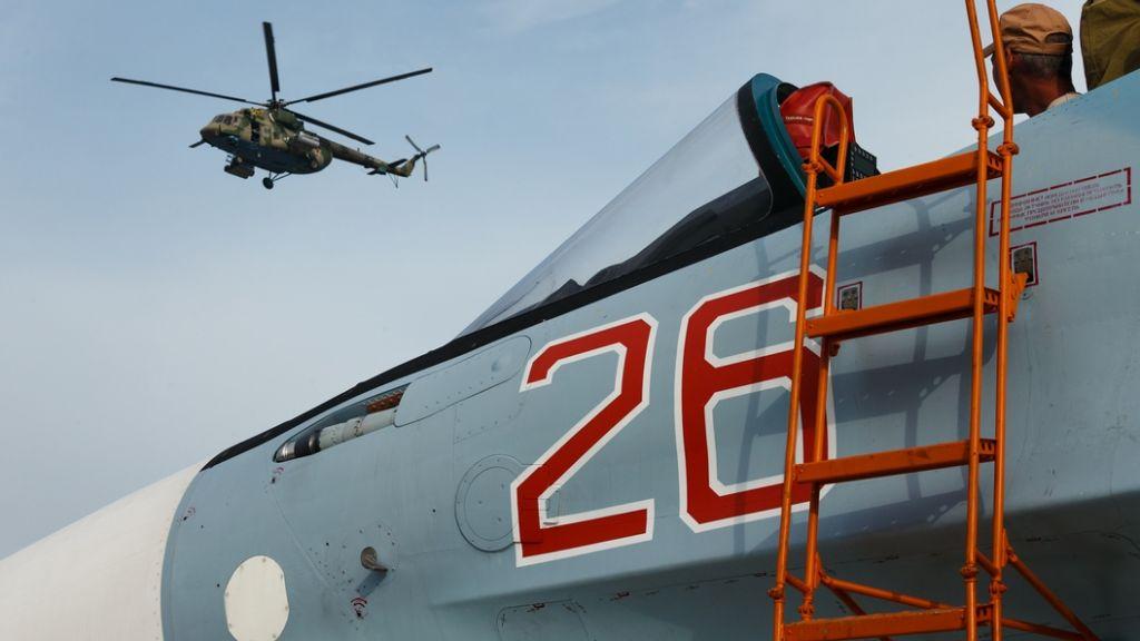 Пилот Су-30 потряс весь мир, «заглянув» втранспортник Ил-76