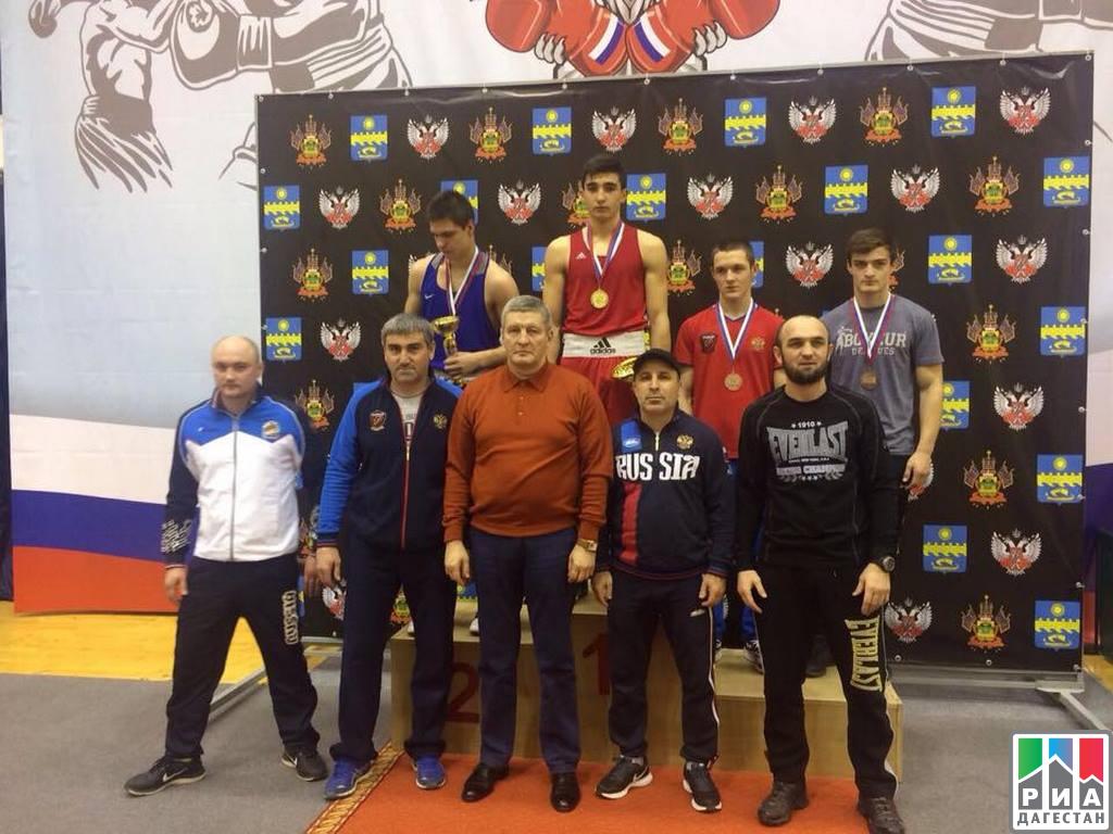 Саратовский спортсмен вернулся свсероссийских состязаний побоксу с«бронзой»