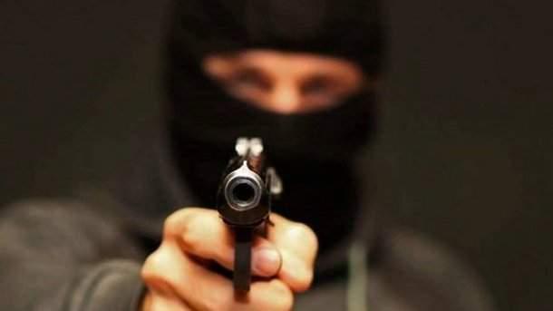 ВНиколаевской области ограбили бизнесмена-пенсионера иизбили его супругу