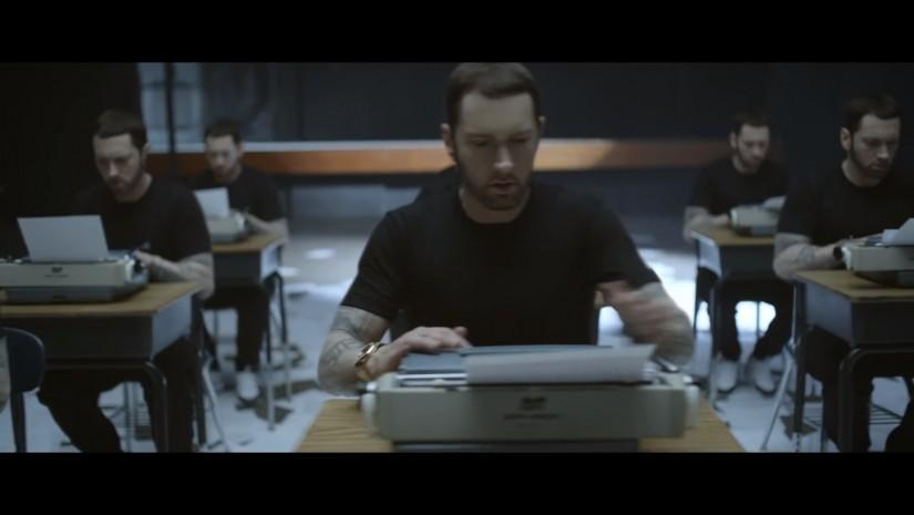 Вышел 1-ый клип Эминема затри года «Walk OnWater»