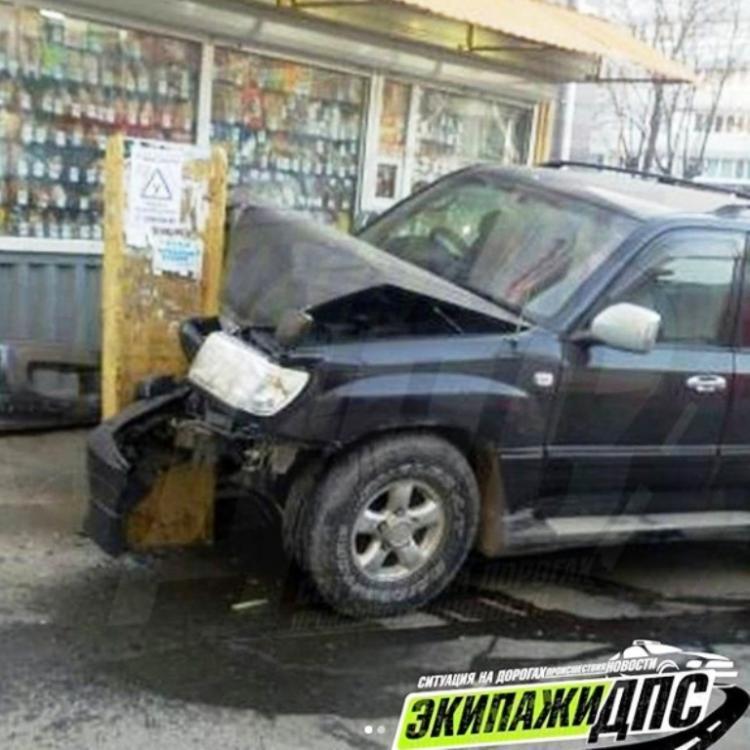 ВоВладивостоке нетрезвый ребенок на«крузаке» попал всерьезное ДТП