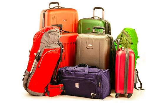 Какой выбрать чемодан: пластиковый или текстильный?
